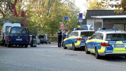 Nach dem Fund dreier Leichen versucht die Polizei in Eislingen die Hintergründe der Tat aufzuklären