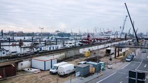 Hamburgs Endlos-Baustelle: Die Bauarbeiten am Baumwall dauern noch bis Ende 2018.