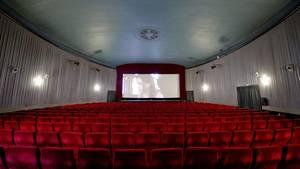 An Allerheiligen gelten im Kino Aufführungsverbote für bestimmt Filme (Symboldbild)