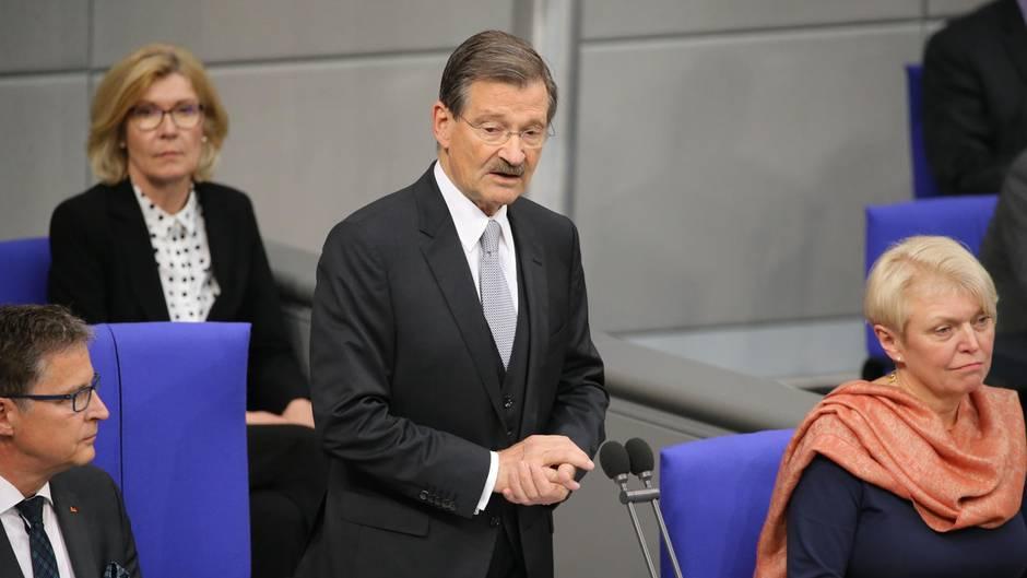 Erste Sitzung: Alterspräsident Solms warnt im Bundestag vor Ausgrenzung