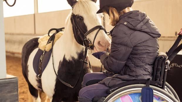 Alina hat durch die Pferdetherapie mehr Selbstvertrauen gewonnen