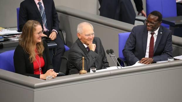 Schäuble als Präsident gewählt, Schlappe für die AfD: So lief der Bundestags-Auftakt