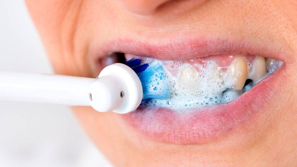 Elektrische Zahnbürsten bei Stiftung Warentest