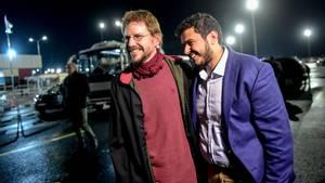 Erleichterung:Der deutsche Menschenrechtler Peter Steudtner (l.) kam nach mehr als  drei Monaten U-Haft in der Türkei frei.