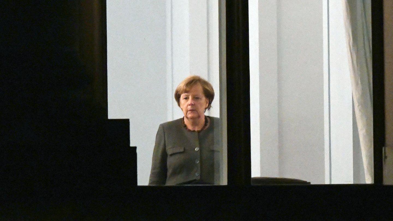Lange Gesichter bei den möglichen Jamaika-Partnern, auch bei Bundeskanzlerin Angela Merkel (CDU). Die Gespräche stocken.