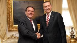 Die Bros vom Bosporus: Gerhard Schröder, der Erdogan-Versteher