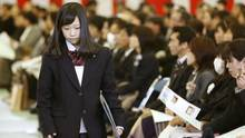 Knallhart-Schule in Japan: Teenager klagt gegen Haarfarbe-Regeln