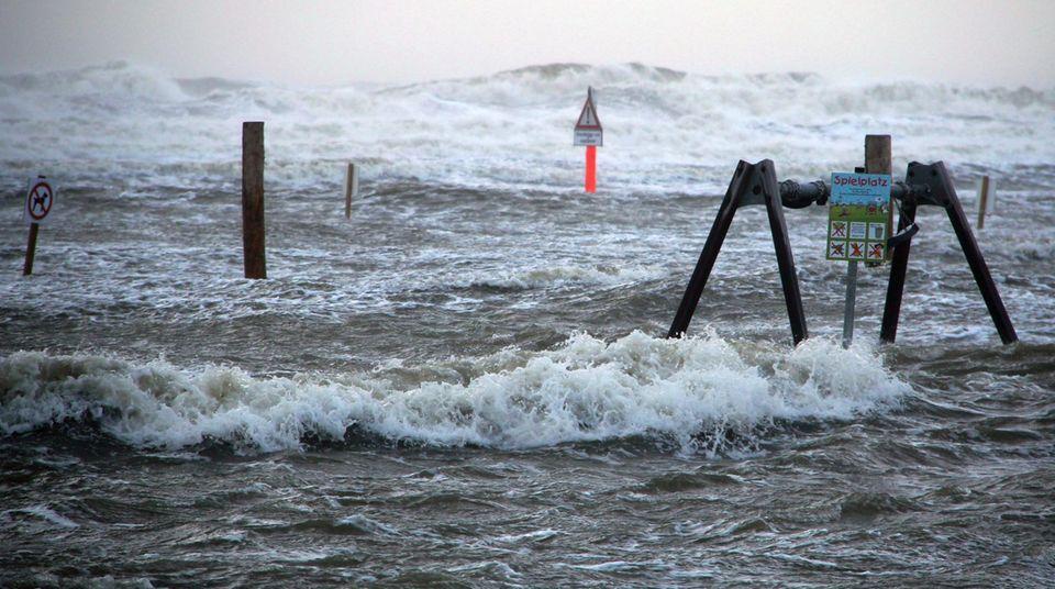 Wetter: Meteorologen warnen vor Orkanböen und Sturmflut
