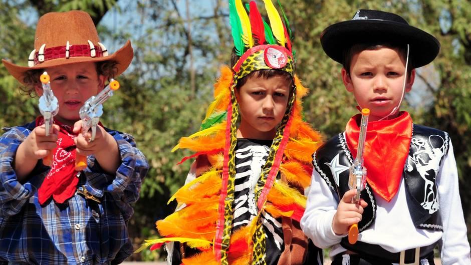 """Vater schießt Sohn beim """"Cowboy und Indianer""""-Spielen ins Bein"""