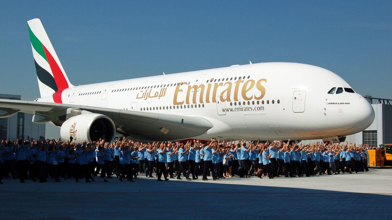 Jubel bei der Auslieferung des ersten Airbus A380 an Emirates im Juli 2008, dem mit Abstand größten Kunden dieses Flugzeuges. Die Airline wird am 3. November 2017 ihr 100. Exemplar erhalten.