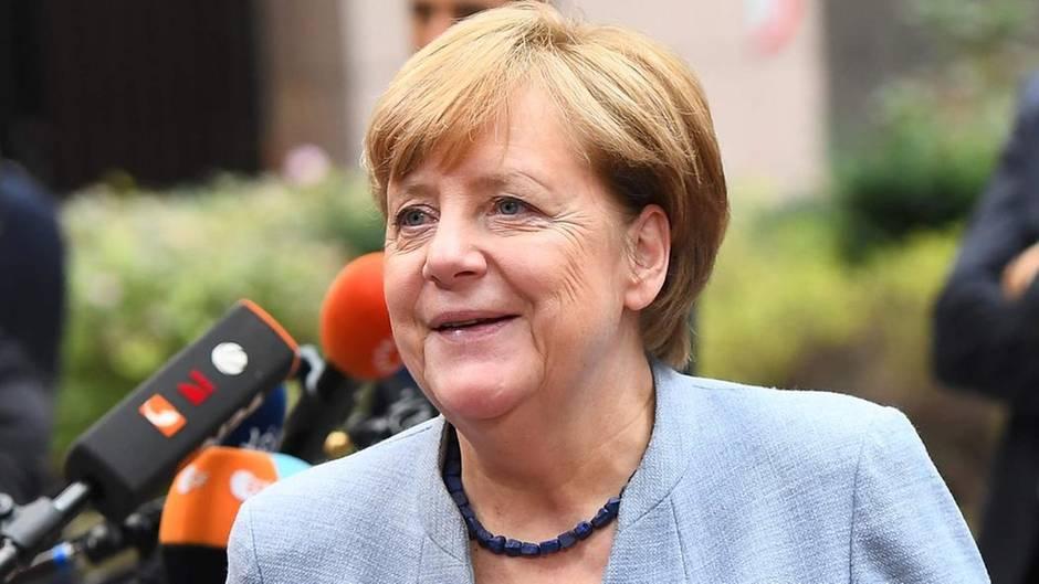 Angela Merkel lächelt: Laut stern-RTL-Wahltrend genießt sie höchsten Respekt unter den Wählern