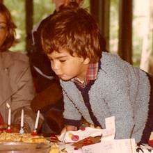 Rückblick in die Kindheit: Elyas M'Barek bei seinem dritten Geburtstag.