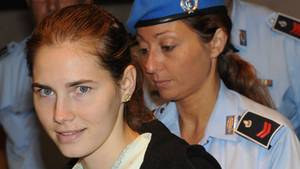 Amanda Knox im Gericht von Perugia - Zehn Jahre nach dem Mord will der Engel mit den Eisaugen Normalität