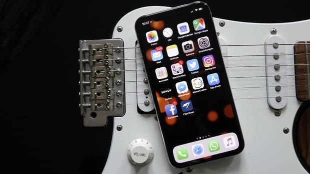 Das iPhone X ist das bislang beste iPhone, mit kleinen Abstrichen. Doch der Preis ist happig.