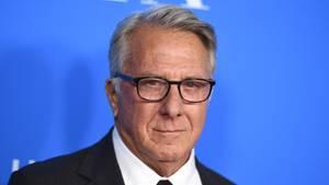 """Schauspieler Dustin Hoffman soll bei den Dreharbeiten zu """"Death of a Salesman"""" 1985 eine damals 17-Jährige mehrfach belästigt haben"""