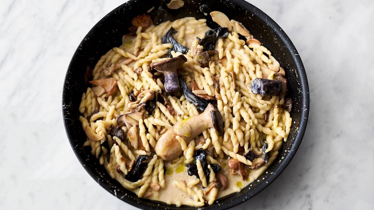 Jamie Olivers 5-Zutaten-Küche: Pasta mit Pilzen und ...