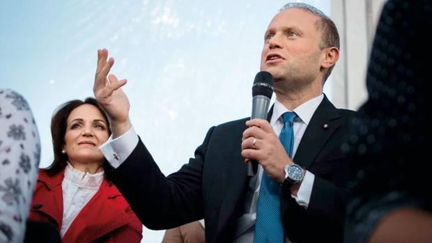 Maltas Premierminister Joseph Muscat mit seiner Frau Michelle