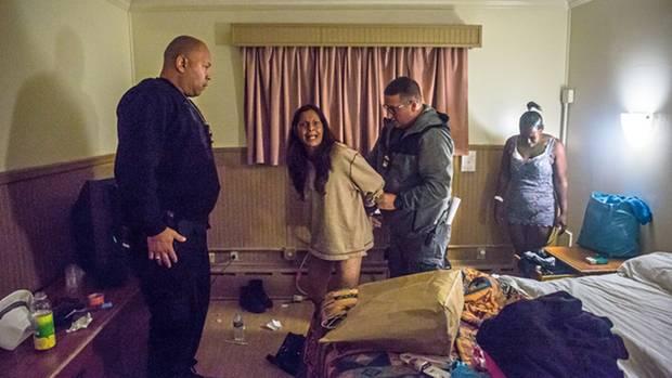 Melissa Torres weint bei ihrer Festnahme