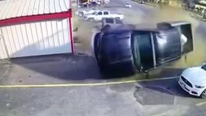 Texas: Crash mit Hollywood-Potenzial - Verfolgungsjagd in Lufkin endet spektakulär