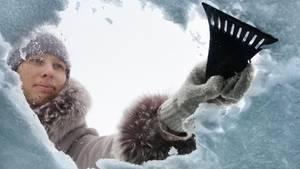 Eiskratzer und Schneebesen gehören im Winter zur Standardausrüstung.