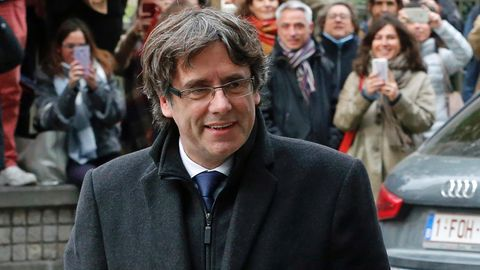 Der abgesetzte katalanische Regionalpräsident Carles Puigdemont hat sich der belgischen Polizei gestellt