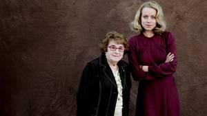 """Hanni Lévy (93) und die Schauspielerin Alice Dwyer, die ihre Rolle in dem Film """"Die Unsichtbaren"""" spielt."""