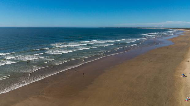 Unendlicher Strand gefällig? Bitteschön! Die französische Atlantikküste beiL'Atelier du Ciel.