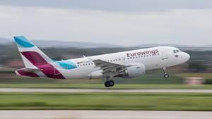 Ein Eurowings Airbus A 319 beim Start