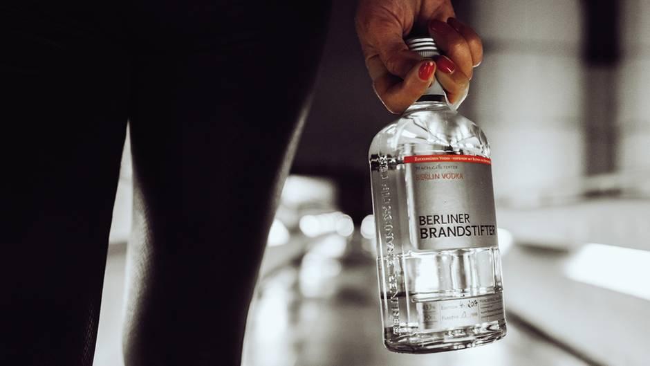 Der Vodka von Berliner Brandstifter hat 43,3 Volumenprozent.