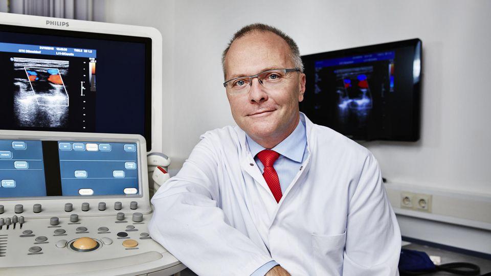 Stephan Martin, ärztlicher Leiter des Westdeutschen Diabeteszentrums in Düsseldorf, hat ein Langzeit-Lebensstil-Programm entwickelt. Es wirkt besser als kurze Schulungen