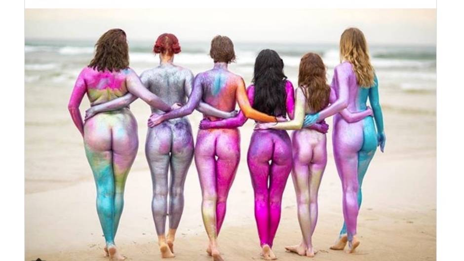 "Instagram-Projekt: Glitzernde Frauenkörper bei ""Positively Glittered"""