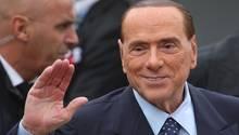Rieccomi, da bin ich wieder: Silvio Berlusconi ist zurück auf der politischen Bühne