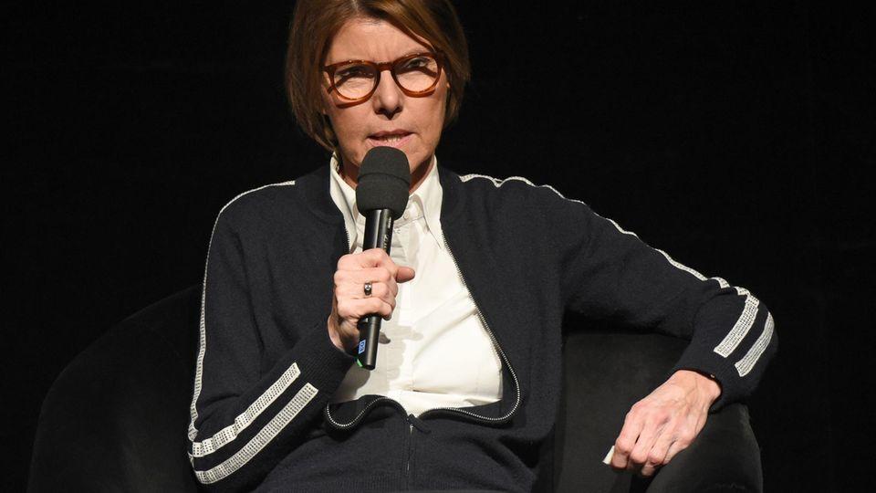 Bettina Böttinger, 61, studierte Germanistik und Geschichte an der Rheinischen Friedrich-Wilhelms-Universitätin Bonn.