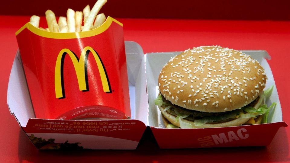 Burger und Pommes von McDonald's