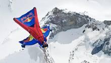 Basejumper Waleri Rosow stürzte bei einen Rekordversuch im Himalaya in den Tod