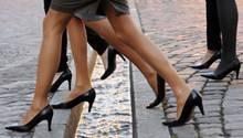 Sexismus-Debatte: Frauen, die Frauen empfehlen, auf High Heels zu verzichten, haben gerade noch gefehlt.