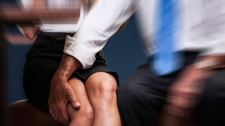 Beispiele für Entgleisungen und Übergriffe im Kollegenkreis gibt es viele (Symbolbild)
