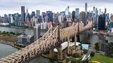 Die Queensboro Bridge war die erste Straßenverbindung zwischen Manhattan und Queens und damit Auslöser der rasanten Modernisierung des Stadtteils.