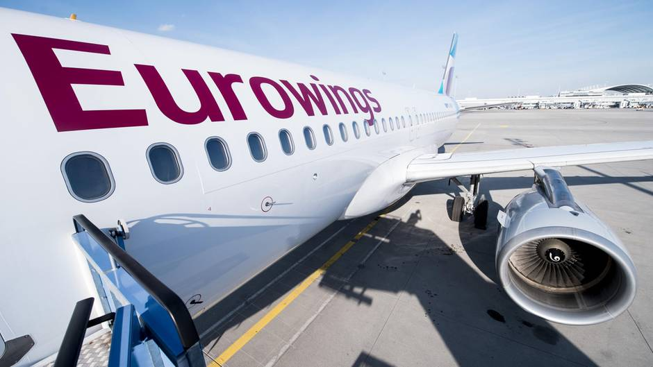 Eurowings-Maschine auf dem Rollfeld
