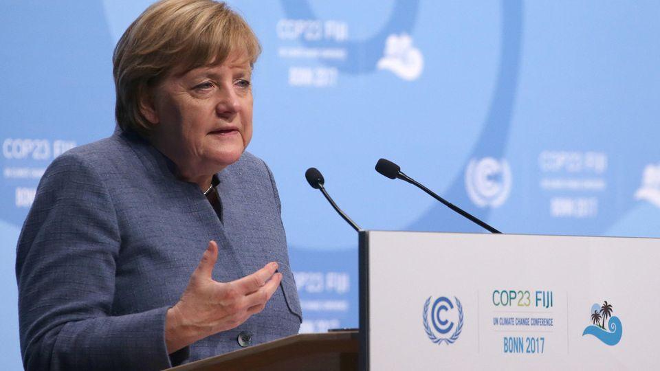 Angela Merkel redet vor der Weltklimakonferenz