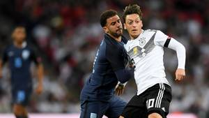 Mesut Özil im spiel gegen England - Deutschland droht bei WM in Russland eine Hammergruppe