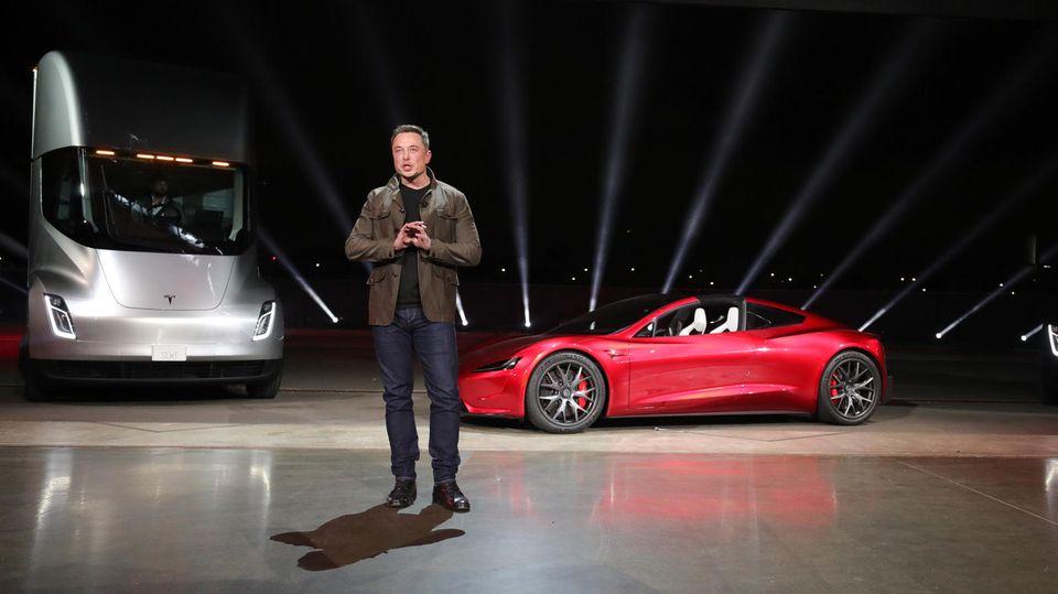 Tesla-Event: Elon Musks Auftritt weckt Erinnerungen an Steve Jobs und Knight Rider