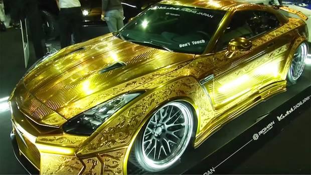 Dubai Motor Show Nissan GT-R Gold