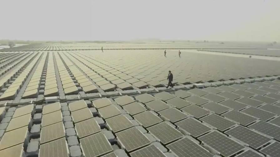 Energie aus der Sonne: Chinesen bauen riesige Solaranlage - der Ort dafür ist genial