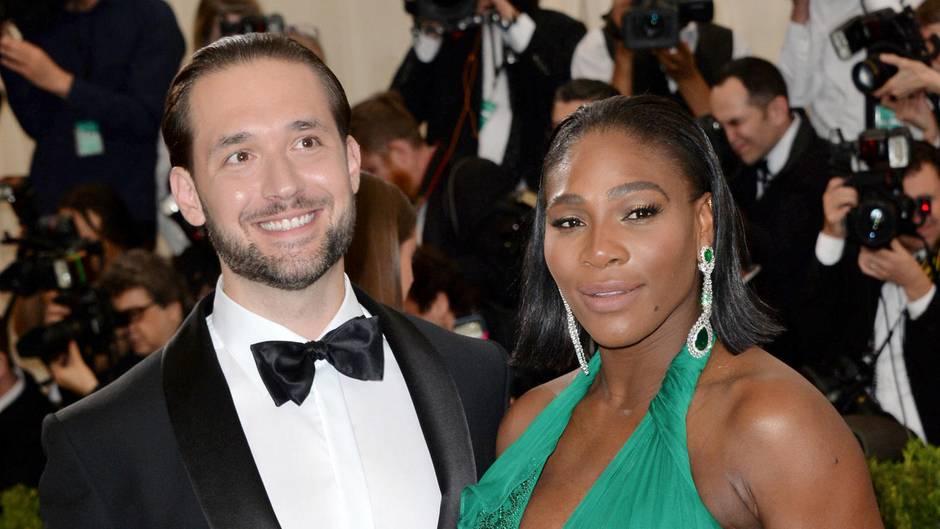 Heirat mit Alexis Ohanian: Handyverbot bei Serena Williams' Traumhochzeit - nur eine hielt sich nicht daran