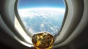 Auf dem längsten Linienflug der Welt werden einige Getränke konsumiert