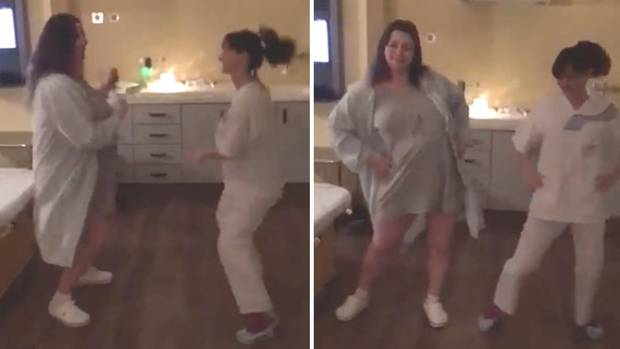 Hebamme Martyna aus Neuss tanzt die Wehen bei der Geburt weg