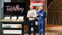 Andreas und Waldemar Wegelin bieten mit Tastillery Probiersets für hochwertigen Alkohol an. In der Sendung kam es zum Handschlag mit Dagmar Wöhrl, doch später sagten die Gründer den Deal wieder ab. Die Dormero-Hotelkette der Familie Wöhrl wird die Sets aber im Verkauf anbieten.