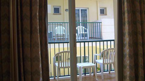 Hotelzimmer ohne Ausblick, geschweige denn Meerblick.