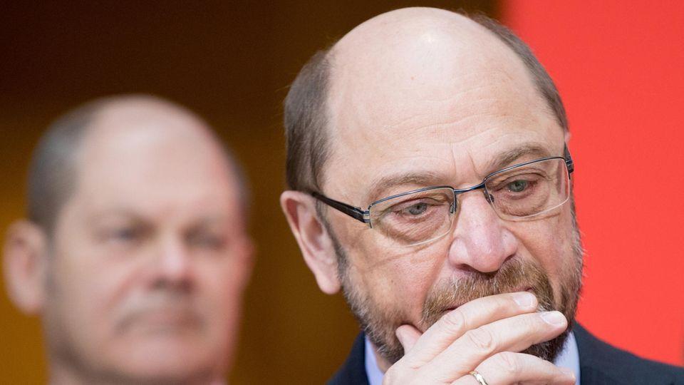 Martin Schulz grübelt - Soll die SPD doch in eine neue GroKo?